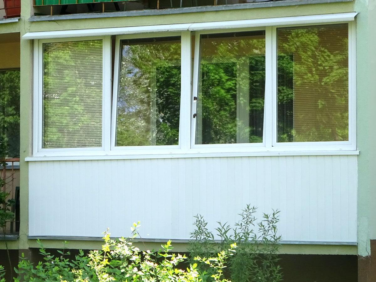 Balkonbebauungen